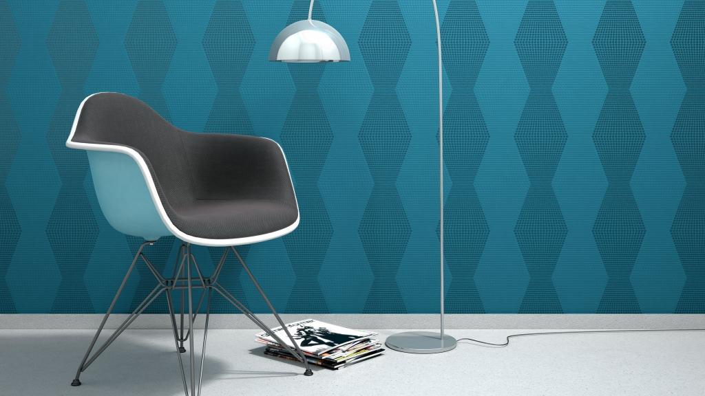3D-Milieu/Rendering eines Stuhls neben Bogen-Stehleuchte vor blauer Rasch Tapete