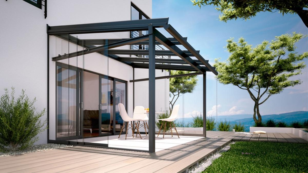 3D-Produktfoto exterior/Rendering einer Terrasse mit Terrassenüberdachung und Glas-Schiebetür von Solarlux